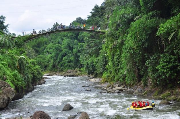Jembatan lolong